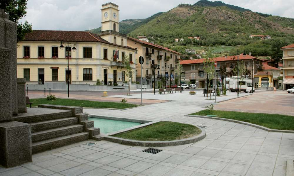 Piazza municipale - Condove (TO)